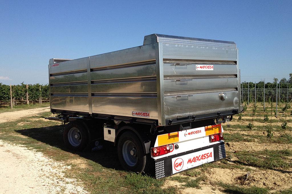 Rimorchi usati agricoli e per camion a treviso gmf marcassa for Lochmann rimorchi usati